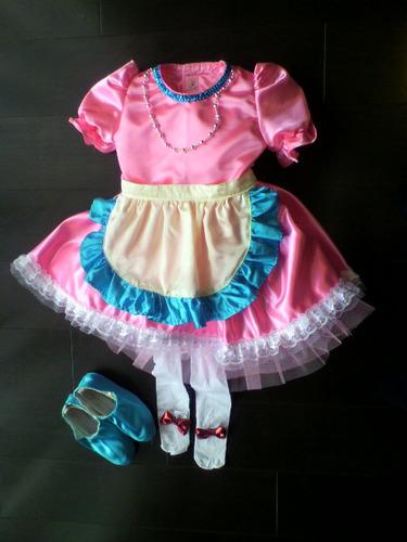 girl's_dress_for_Christmas_event
