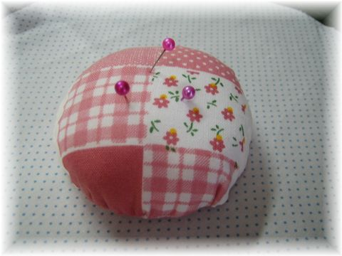 Pin_cushion_by_hand